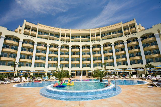 Sunset Resort Pomorie Bulgaria Food And Dining