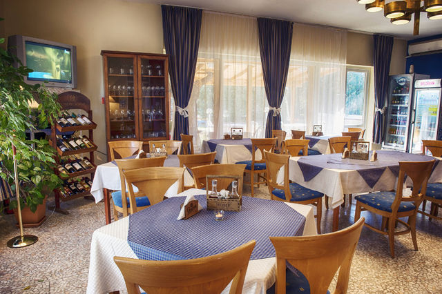 Hotel Roussalka - Food and dining
