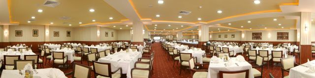 Admiral Hotel - Food and dining