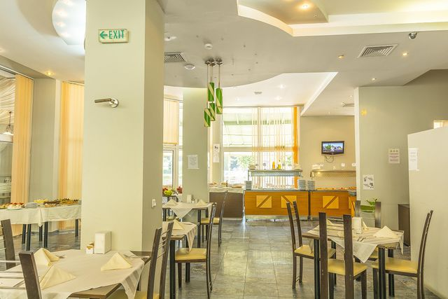 MPM Royal Central Hotel - Food and dining